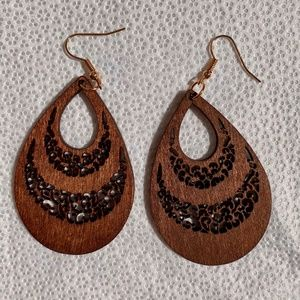 Jewelry - Wooden earrings